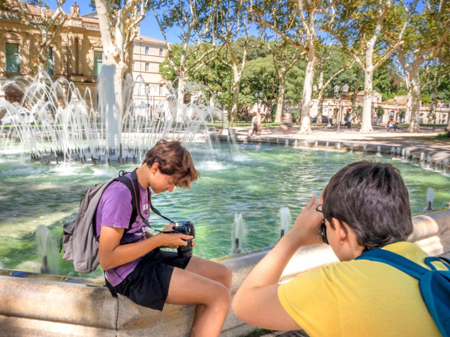 stage-photo-montpellier-adolescent-esplanade-musee-fabre